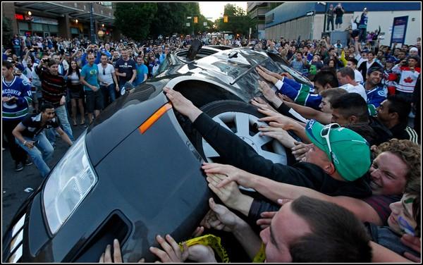 Хоккей в Ванкувере. Пока, машинка!