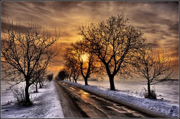 Зима и солнце: последний закат