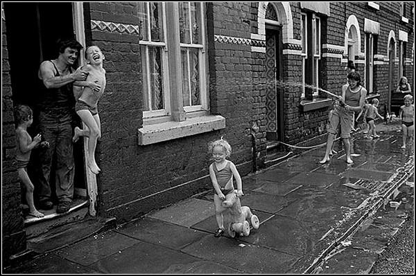 Черно-белые фото Ливерпуля: ностальгия по 70-м