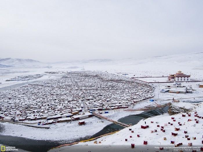 Самый большой монастырь в мире: Yarchen