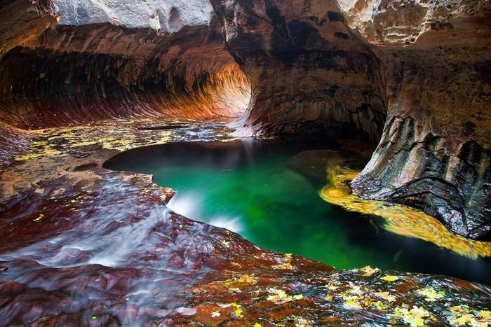Подземный храм-метро: уникальная пещера в Сионе