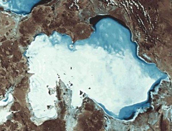 Вид Salar de Uyuni из космоса