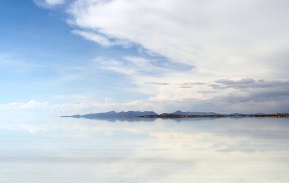 Одно из самых красивых мест на планете, зеркало Земли - озеро Salar de Uyuni