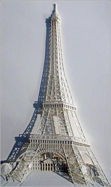 Мировые достопримечательности из бумажных городов: Эйфелева башня