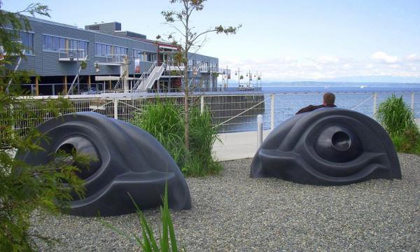 «Глаза» из парка скульптуры «Олимпик» в Сиэтле