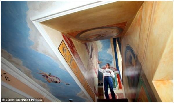 Роспись стен и потолков, выполненная маляром на пенсии