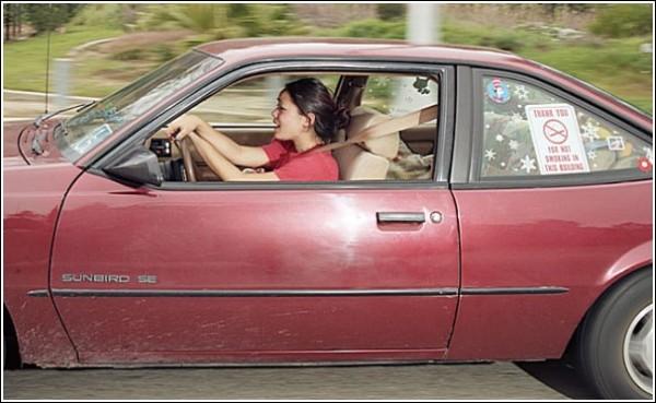 Фотографии в машине: кажется, автомобили неподвижны