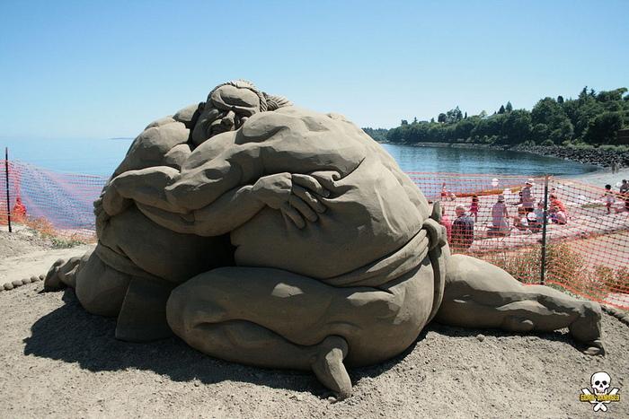 Единоборство: песчаные скульптуры Карла Джары