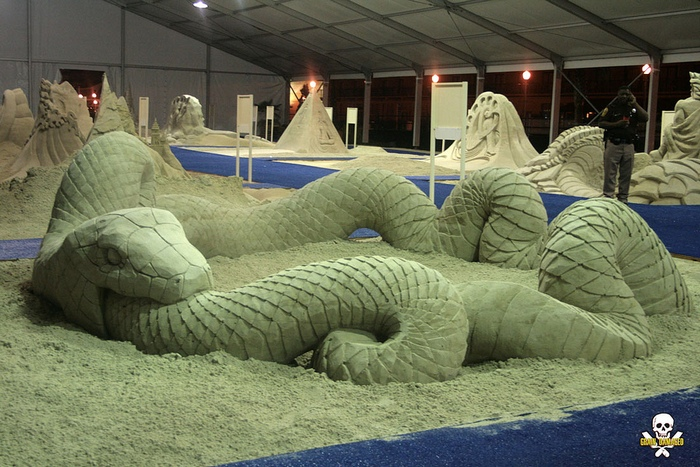 Уроборос: песчаные скульптуры Карла Джары