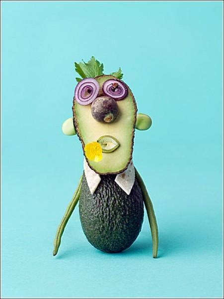 Забавные человечки и зверушки: плодово-овощные фотографии Карла Кляйнера