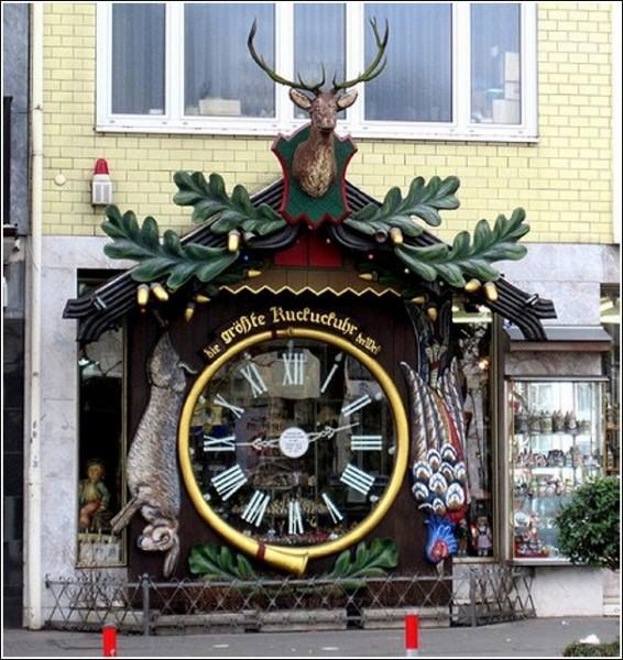 Висбаденские огромные часы с кукушкой