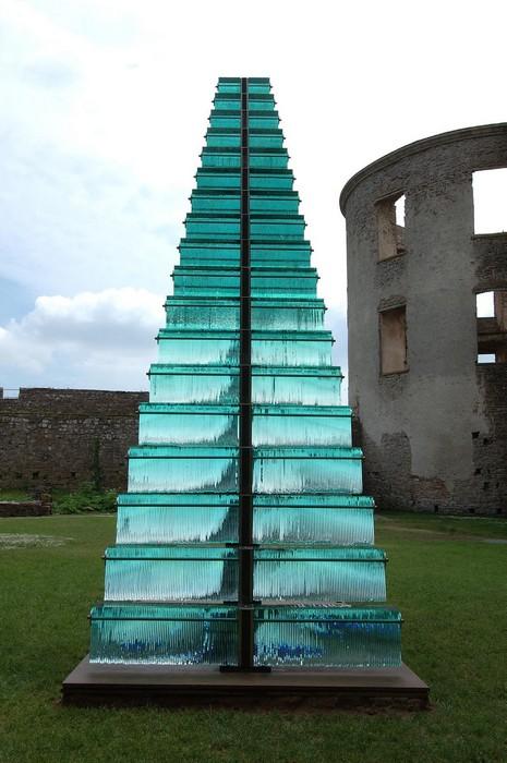 6-метровая лестница: современная скульптура Дэнни Лейна
