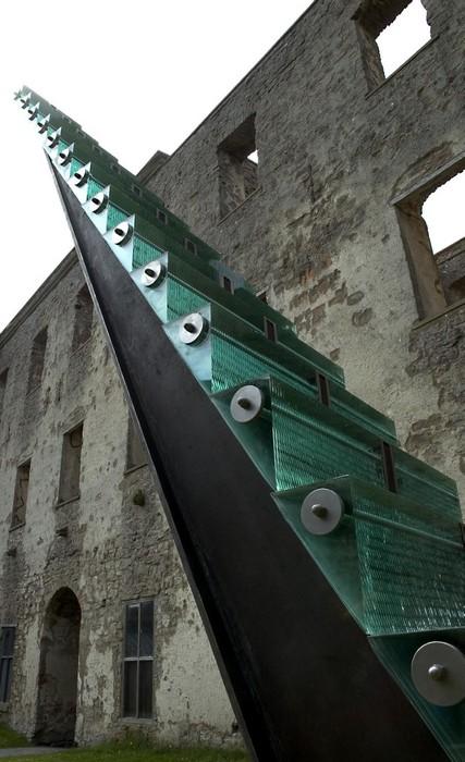 Стекло и сталь: современная скульптура Дэнни Лейна