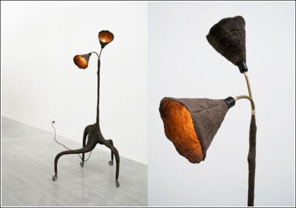 Лампа из глины, песка и коровьих лепешек