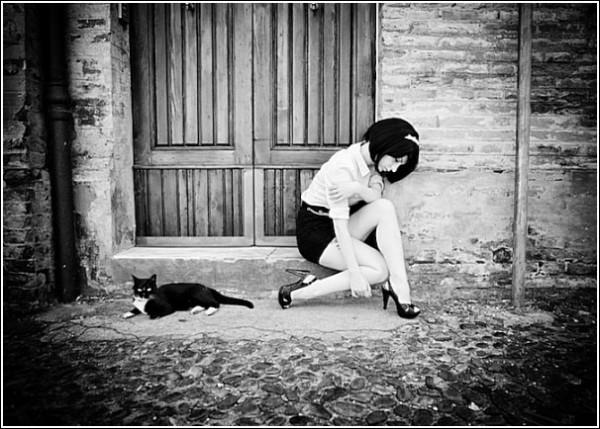 Черно-белые снимки Стефано Джакомини: кирпичные стены, булыжная мостовая