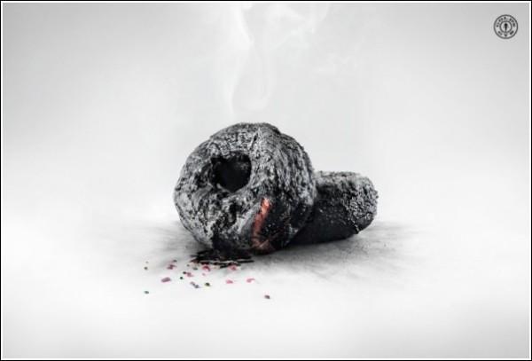 Необычная реклама спортзала: сгоревшие пончики