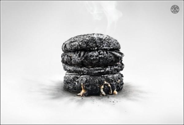 Необычная реклама спортзала: гамбургеру тоже не повезло