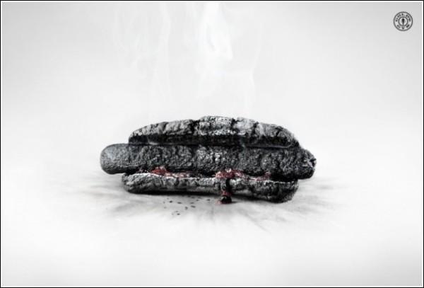 Необычная реклама спортзала: хот-дог сгорел синим пламенем