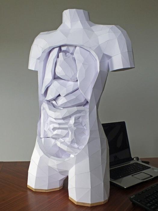 Бумажная скульптура Хорста Кихле: вид спереди