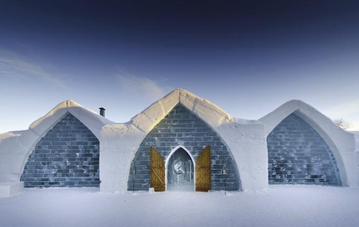 Ледяной дом: необычная гостиница в Квебеке