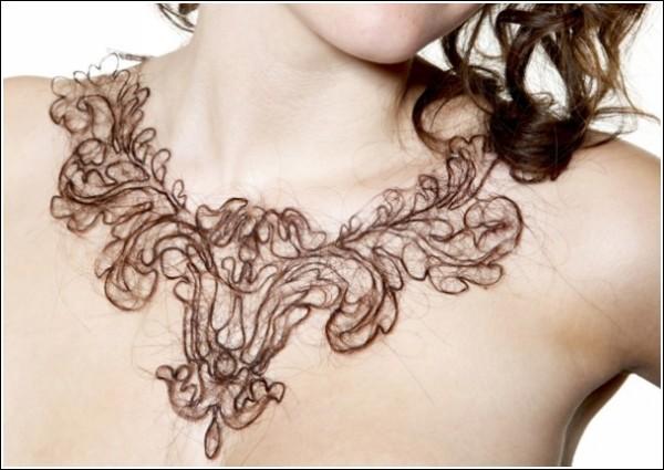 Оригинальные украшения Керри Хоули: колье из человеческих волос
