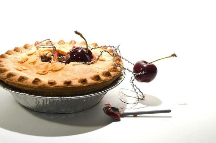 Спасение начинки из пирога: забавные человечки-ягодки