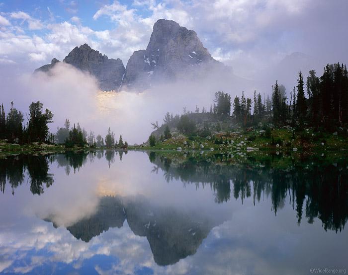 Симетрия относительно воды: фотографии гор Джека Брауэра