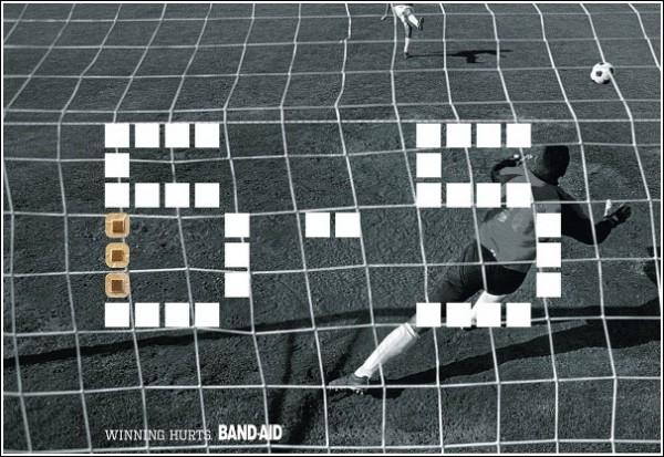 Оригинальная реклама бандажей: футбол