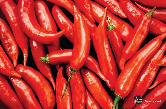 «Red Hot Chili Peppers»: рекламные постеры для радиостанции