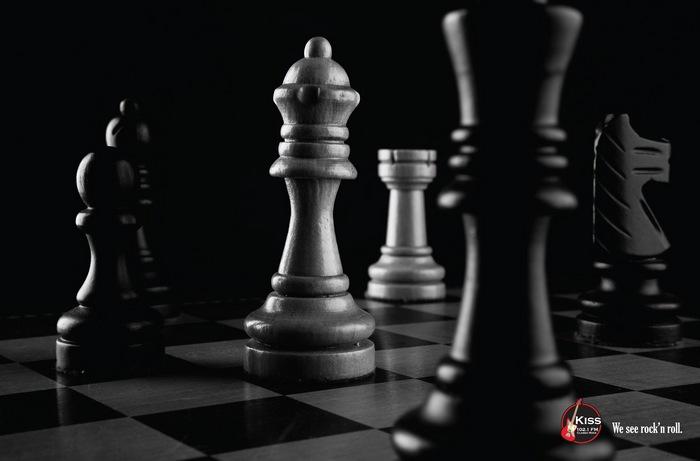 «Queen»: рекламные постеры для радиостанции