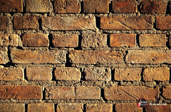 «Стена», альбом «Пинк Флойд»: рекламные постеры для радиостанции