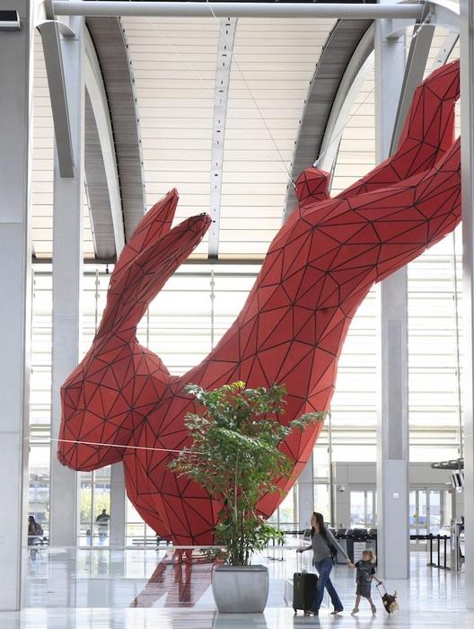 Волшебный кролик: монументальная скульптура Лоренса Арджента