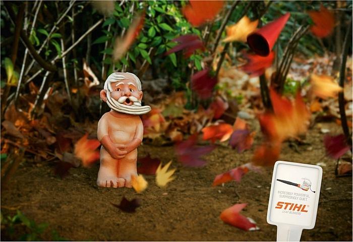 Ветродуй был очень сильным: забавная реклама машины для удаления листьев