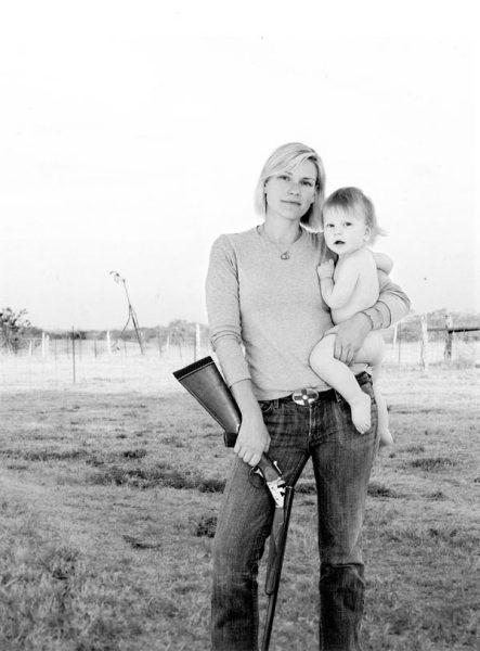 Все самое ценное при себе: сборник фотографий Линдси Маккрам