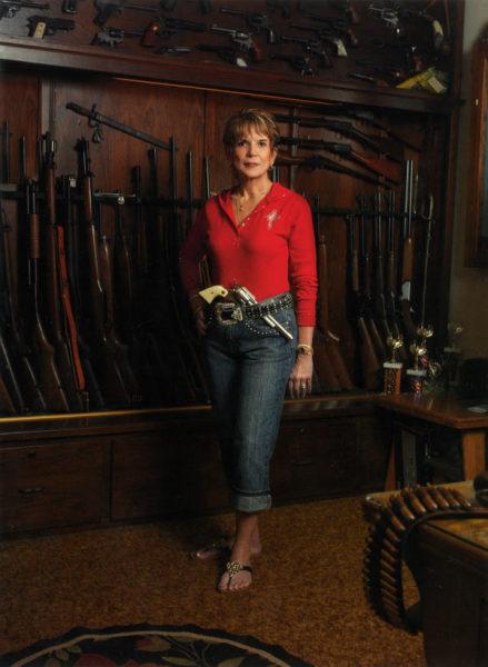Висящее на стене ружье ничего никому не должно?