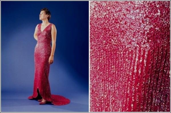 Трэш-кутюр: вечернее платье, украшенное битым стеклом