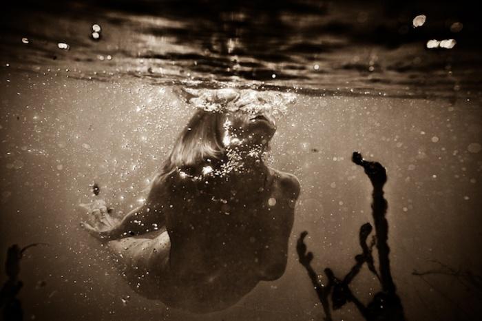 Подводные фотографии о роли бессознательного в жизни человека