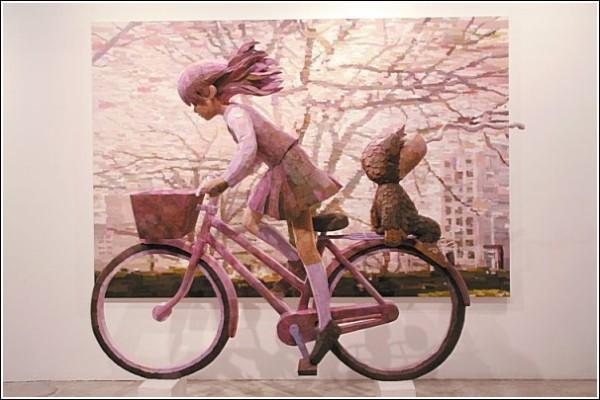 Картины-скульптуры Шинтаро Охаты: велосипедистка