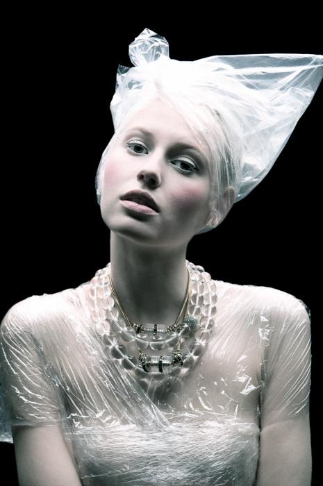 Мода на пластик: серия фотографий Томааса