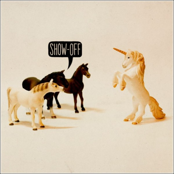 Гадкий жеребенок: «Позёр», - говорят лошади