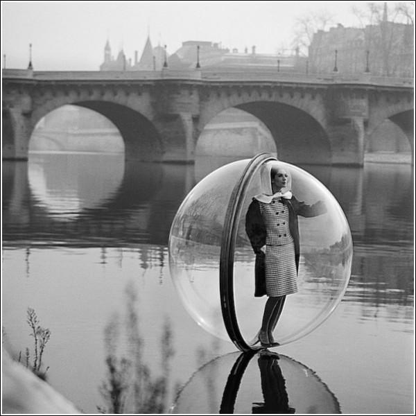 Модель на Сене: черно-белые снимки Мелвина Соколски