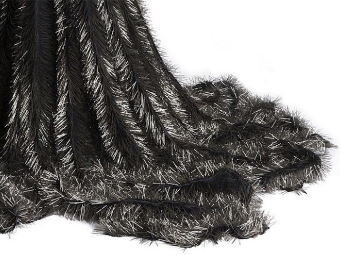 Платье из булавок: и хочется, и колется