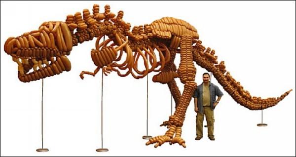 Тираннозавр из воздушных шариков