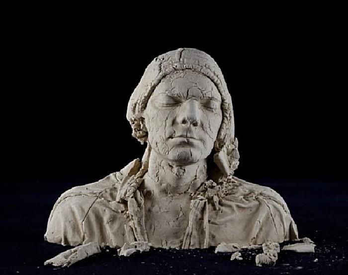 Необычные скульптуры в шрамах: творчество Тима Силвера