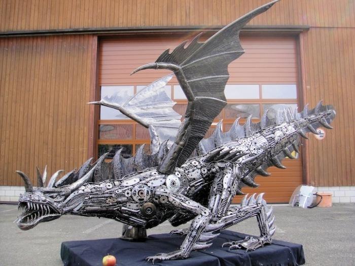 Металлические скульптуры Тома Самуи: дракон