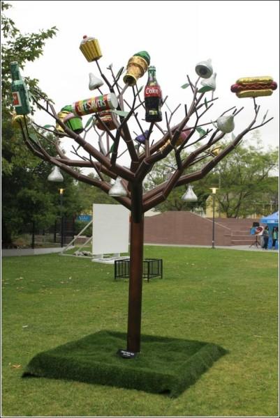 Размеры чудо-дерева - 5 х 3,5 метра