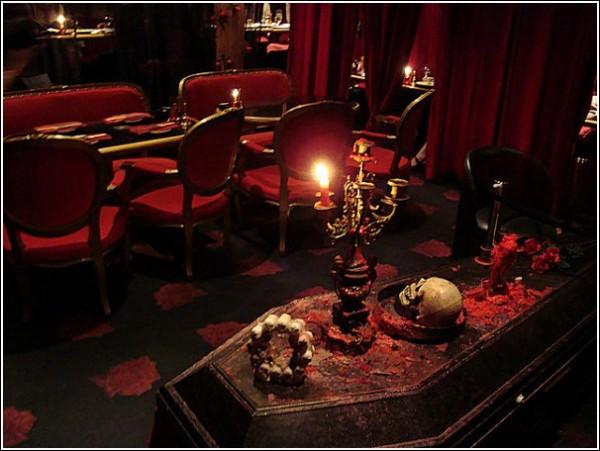 Есть ли вампиры в Японии? Необычное кафе в Токио