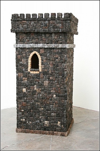 *Башня*: скульптуры Агустины Вудгейт из человеческих волос