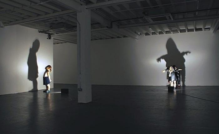 Софиты порождают тени: современная скульптура Ясама Сасмазера