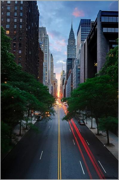 Городские фотографии Эндрю Мейса: прямые пустые улицы
